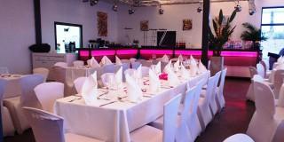 Mariage Bar LED rose au Delta, Salle à louer, Montpellier Le Crès